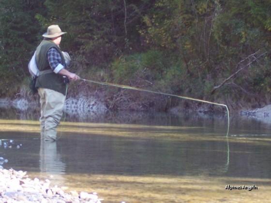 Ralf beim Äschenfischen - 02