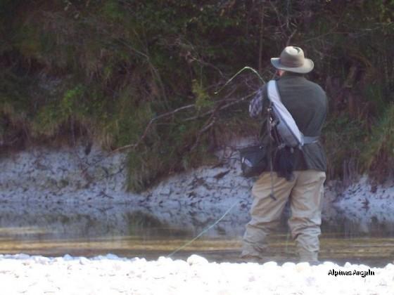 Ralf beim Äschenfischen - 01