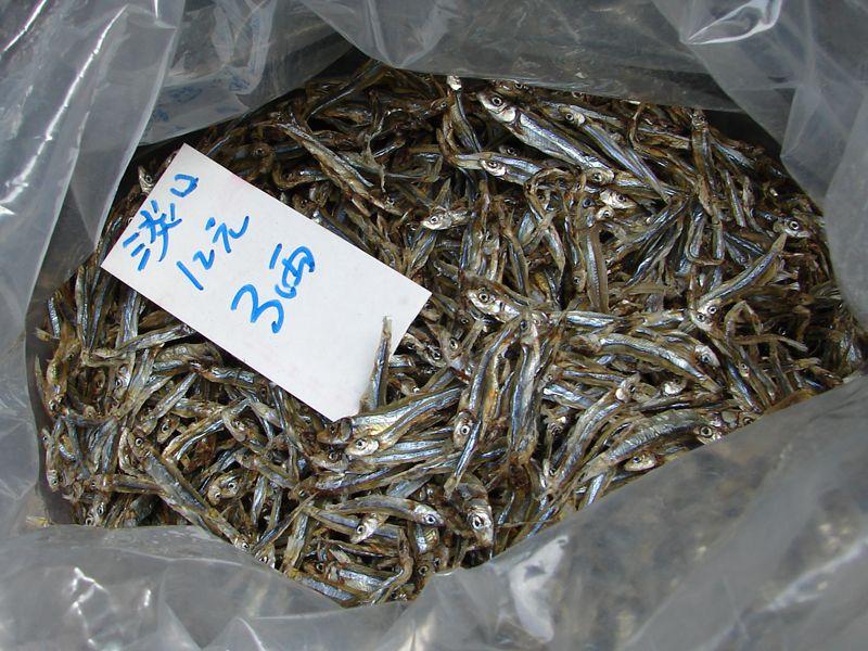 Knusprig getrocknete Fische